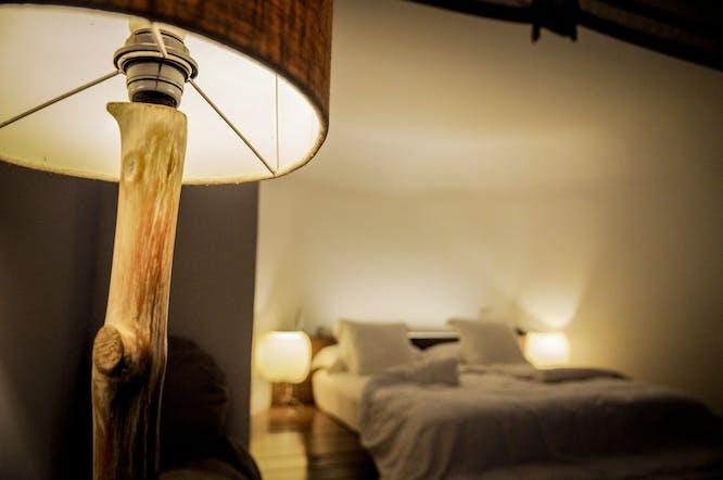 lampen met houten poot